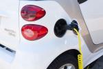 Auto elettrica: agli italiani piace, ma...