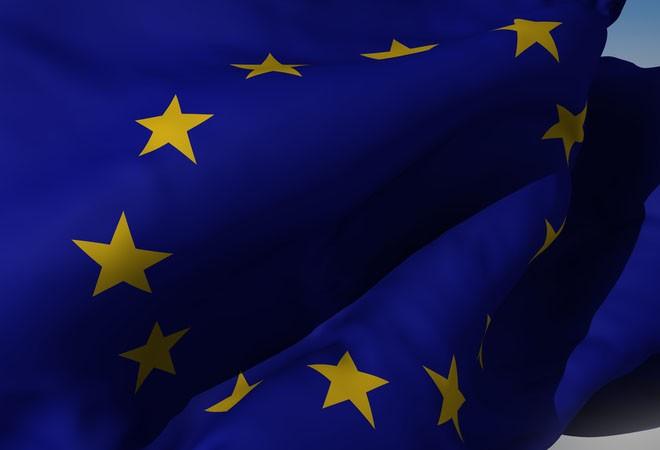 UE, la scure dei tagli si abbatte sulla banda larga