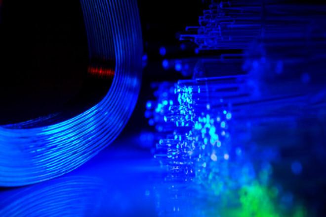 L'operatore Eolo entra sul mercato della fibra ottica con Open Fiber