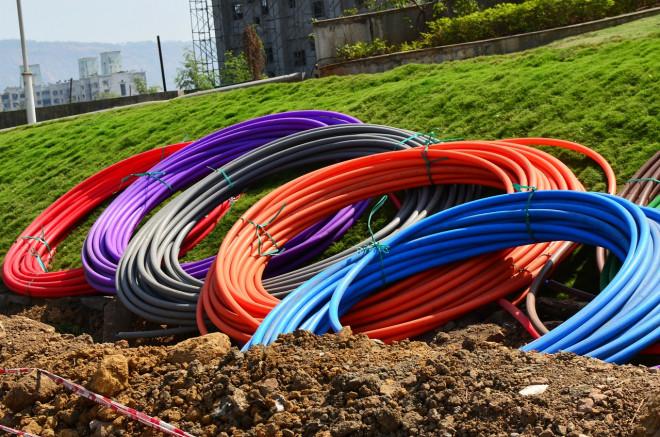 Infrastrutture digitali e fibra ottica in Italia: tutte le difficoltà di sviluppo