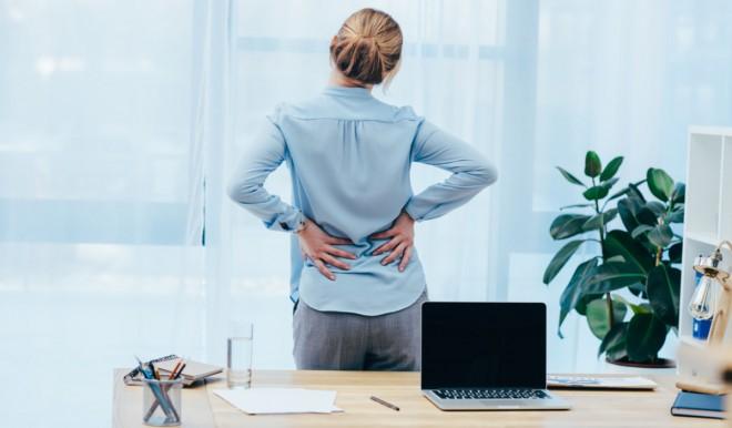 Lombalgia: lo stile di vita sedentario tra le cause del mal di schiena