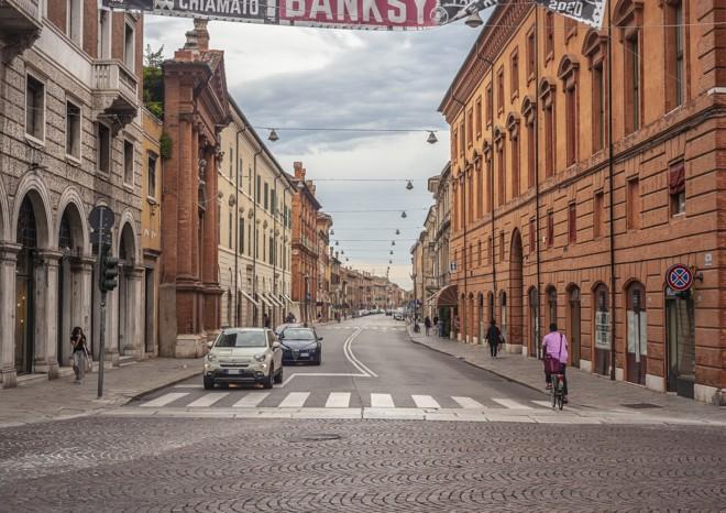 Sospensione assicurazione auto nelle zone rosse: conviene?