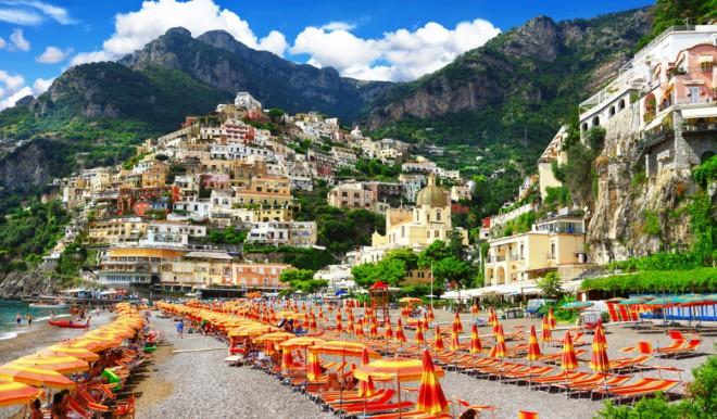 Vacanze estive, gli italiani scalpitano: stanno prenotando e scelgono il loro Paese