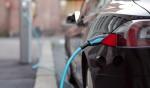Solo auto elettriche dal 2035: la richiesta all'UE