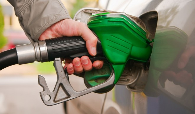 Benzina: in estate il prezzo sale, ma non (solo) per il petrolio