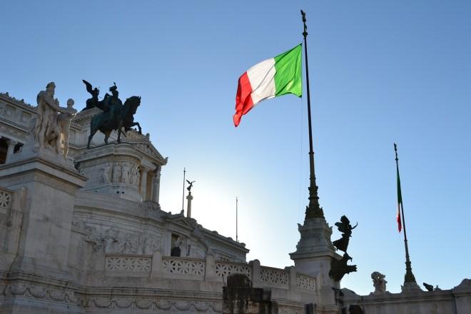 Ocse: l'economia dell'Italia cresce, ma stipendi troppo tassati