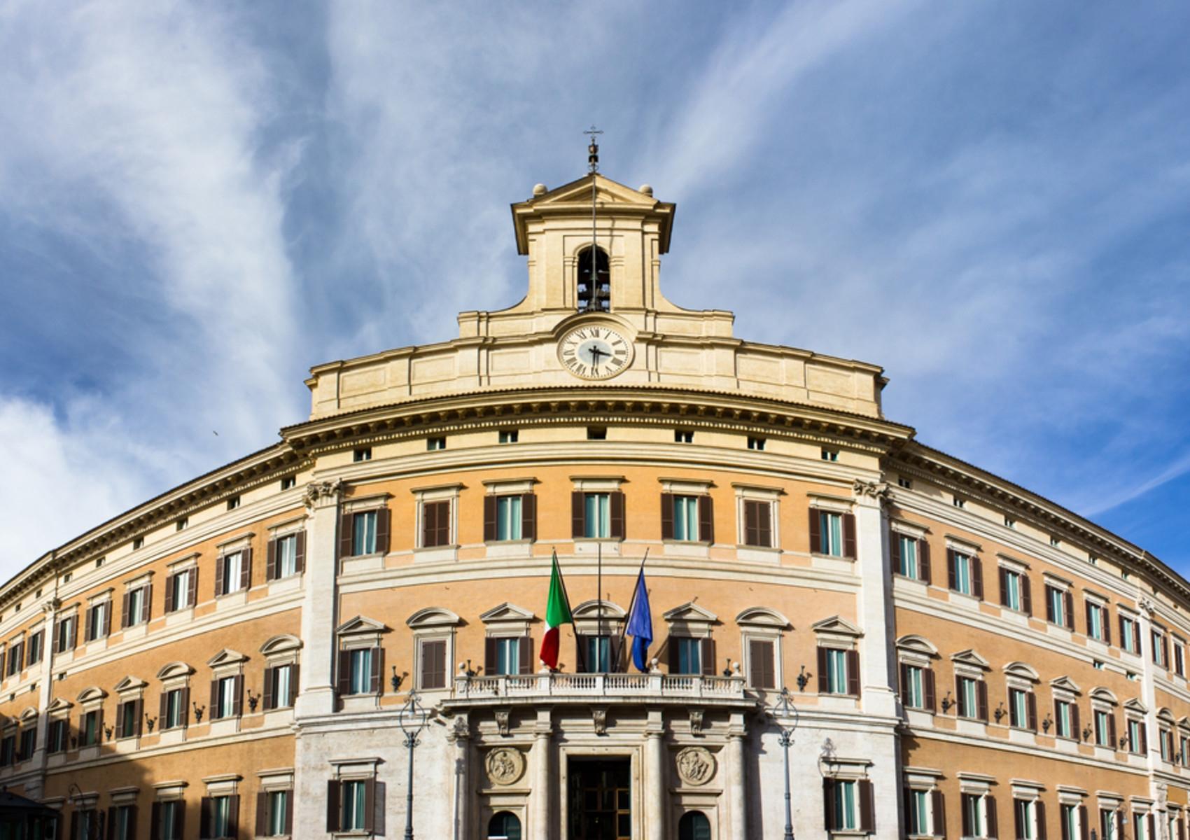 Dal Cura Italia al Decreto Rilancio: i decreti per fronteggiare la pandemia Coronavirus
