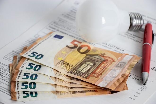 Energia: oggi il mercato libero potrebbe far risparmiare il 16% sull'elettricità e il 13% sul gas