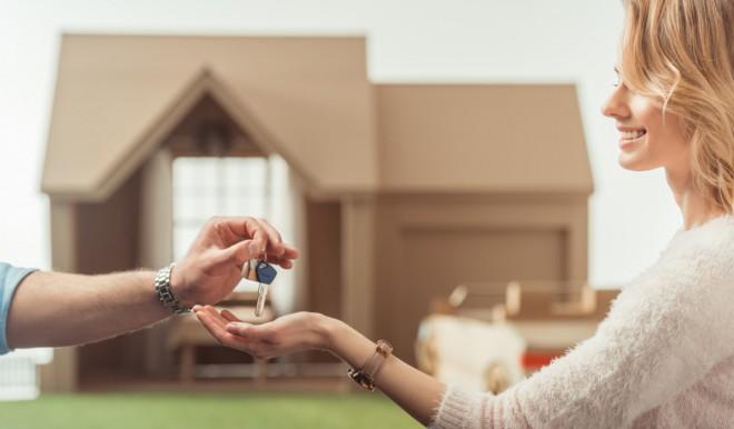 Mercato immobiliare: aumentano le età medie di compratori e venditori