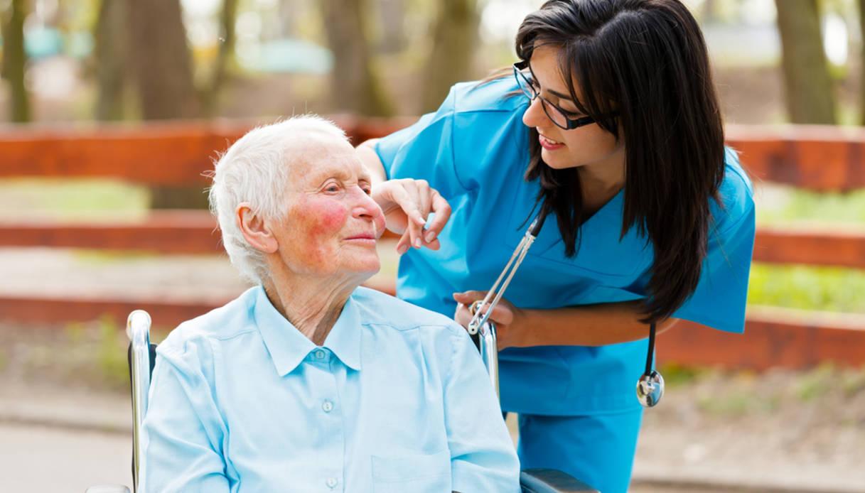 Covid19: il mondo degli affitti brevi in soccorso di medici e infermieri