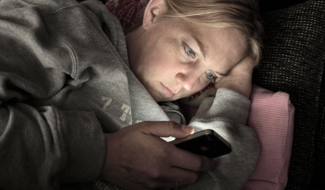 La dipendenza da smartphone causa disturbi del sonno