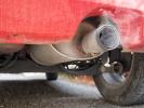 Sosta e motore accesso: è divieto