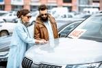 Gli italiani hanno voglia di auto (e di comprarla online)