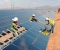 Assicurare l'energia pulita con Intesa San Paolo Assicura