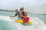 Assicurazioni: dal pedalò alla banana gonfiabile, ecco le polizze per l'estate