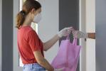 Consumi: 8,6 milioni di italiani hanno riscoperto i negozi sotto casa