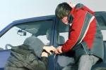 Ogni giorno nel nostro Paese vengono rubate 340 auto, ma solo 1 italiano su 10 si assicura contro questo evento.