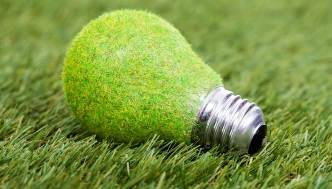 Aumenta di nuovo il costo di luce e gas. Come risparmiare scegliendo le lampadine giuste